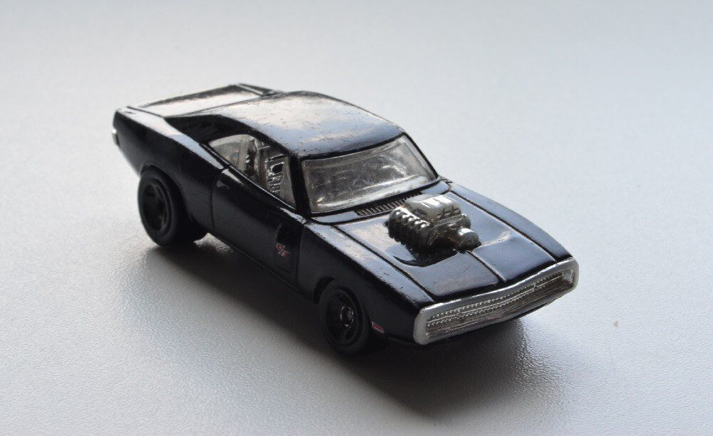 Hot Wheels '70 black Dodge Charger muscle diecast car
